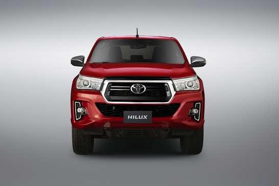 Toyota Hilux ganha novo desenho