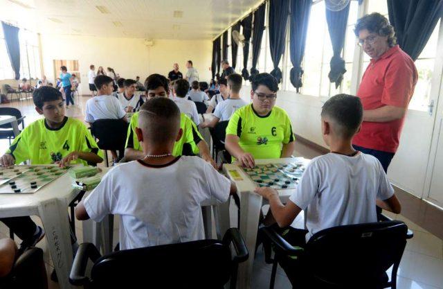 damas e xadrez JES