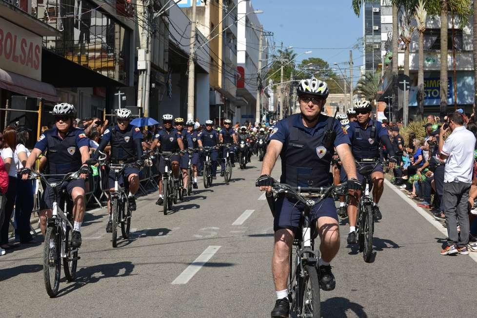 Desfile cívico celebra a Independência