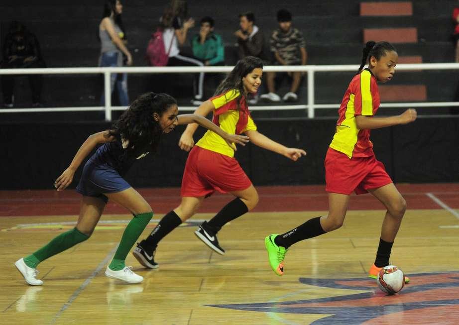 Futsal e queimada abrem os Jogos Escolares infantis