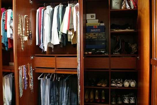Organizando o guarda-roupa