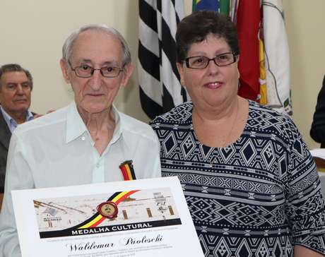 Medalha Cultural Luiz Matheus Maylasky