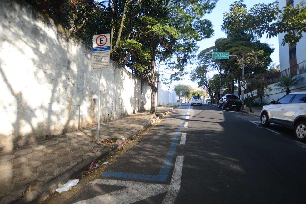 Vagas de Zona Azul permanecem vazias em vários pontos da cidade