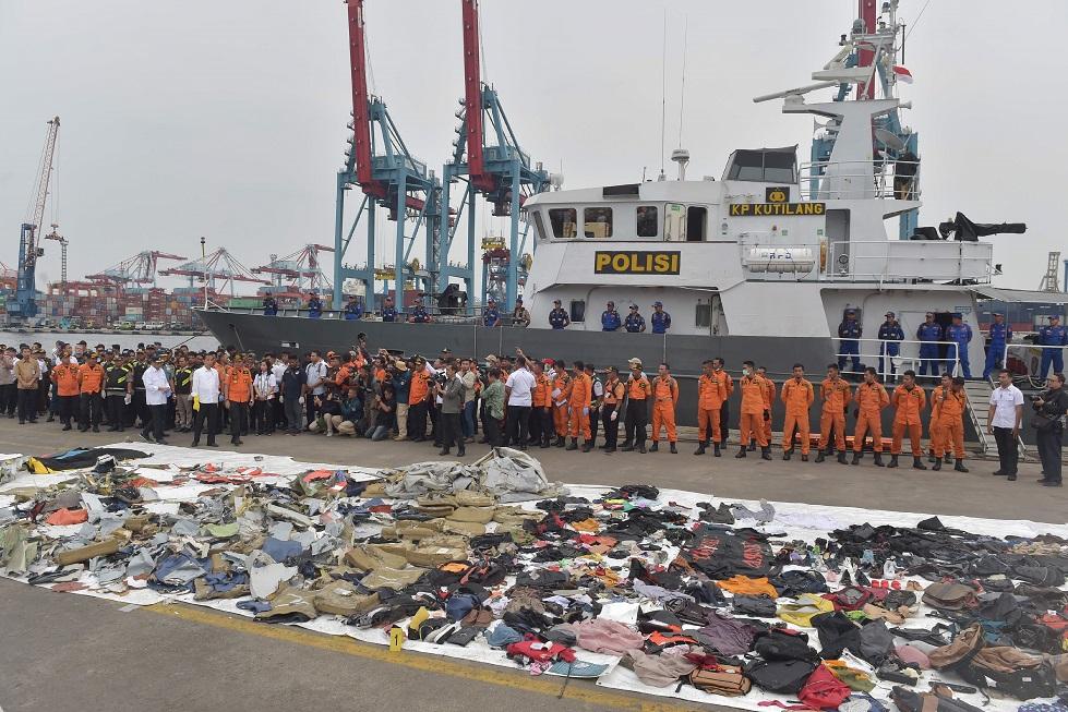 destroços avião Indonésia