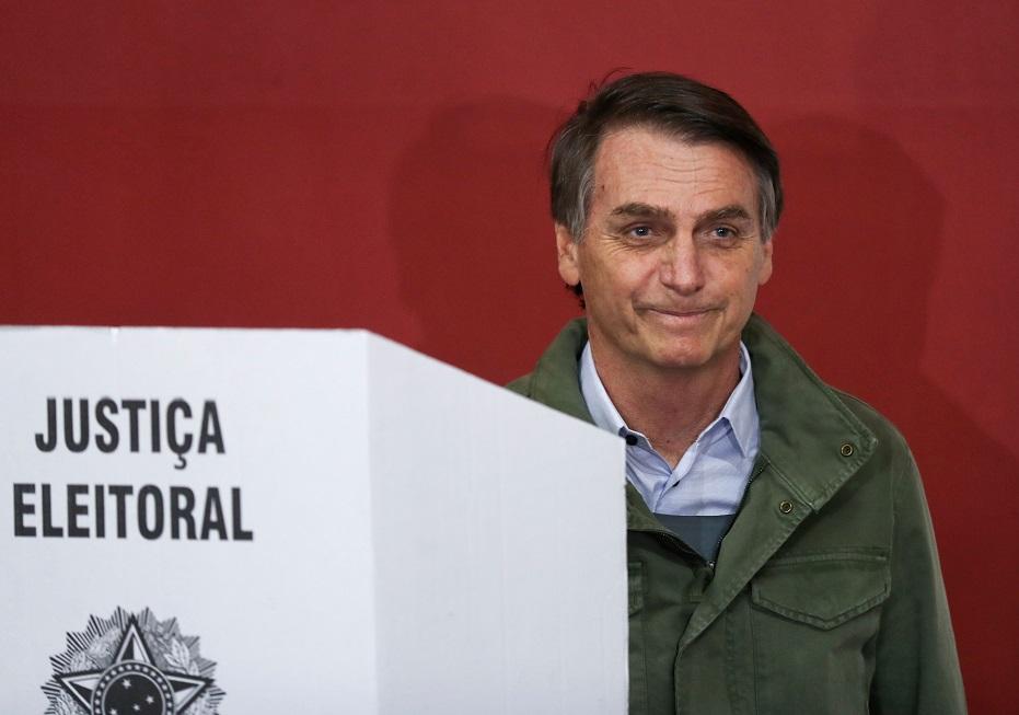 Bolsonaro vota
