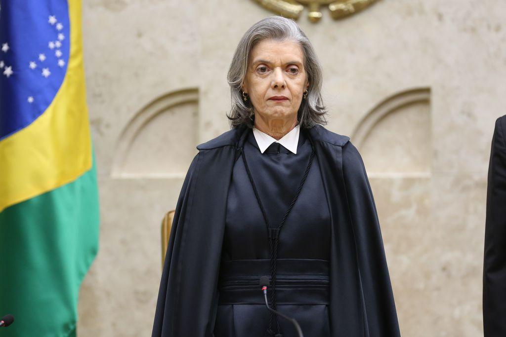 A ministra Cármen Lúcia, do STF, está com Covid-19.