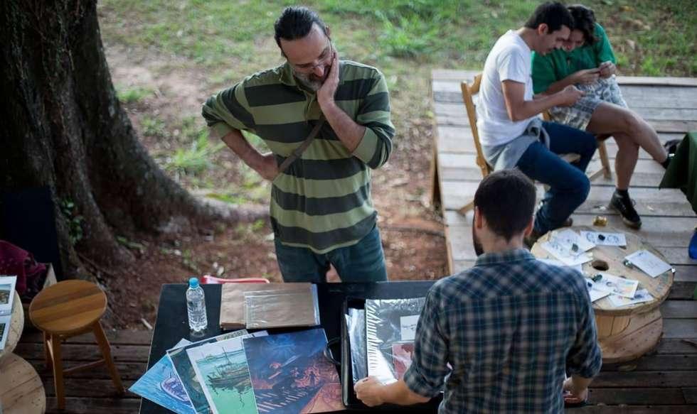 Feira reúne artes e impressos
