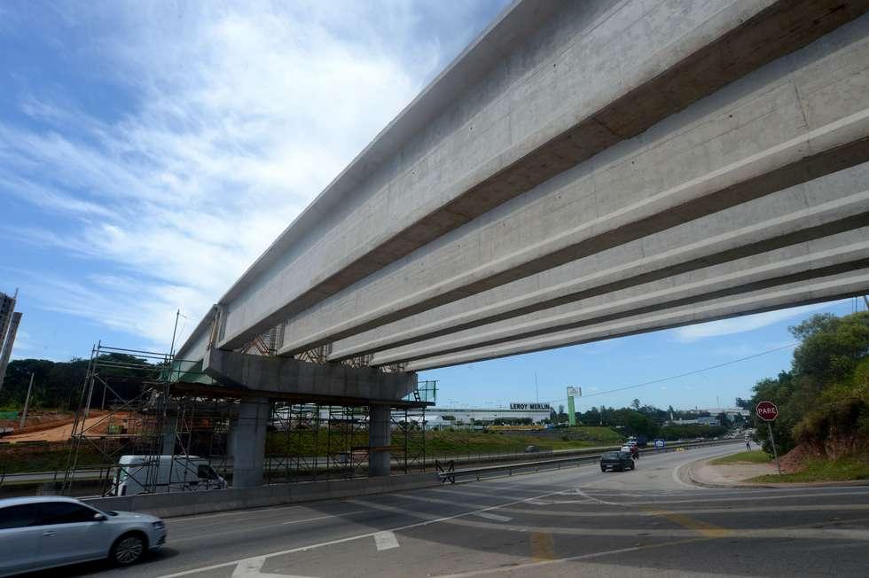 Obras do viaduto na Raposo seguem até final de março