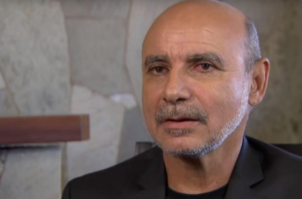 Defesa de Queiroz quer trocar relator