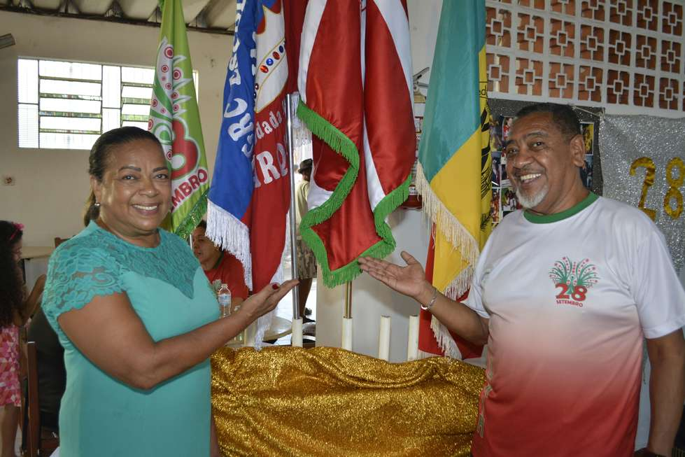 28 lança samba para o Carnaval