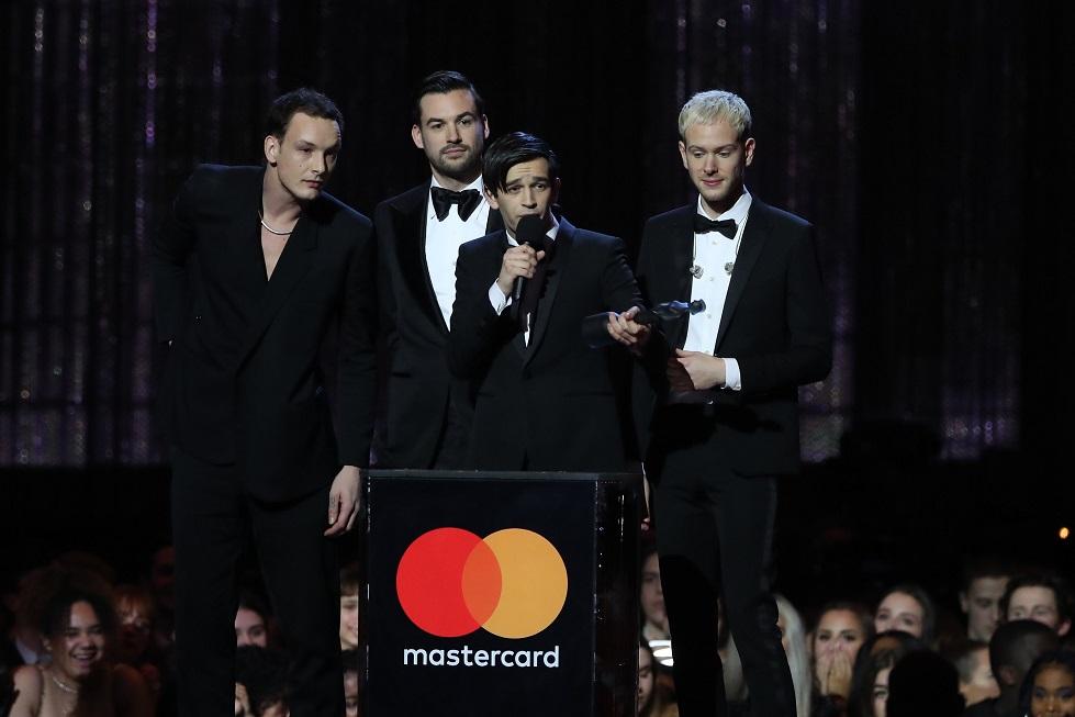 Banda The 1975 é a grande vencedora do Brit Awards