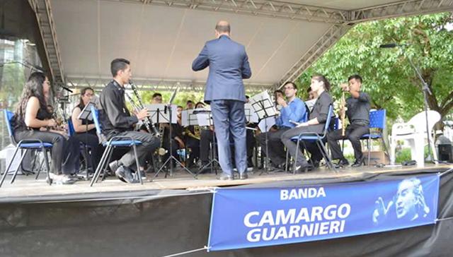 Banda Camargo Guarnieri se apresenta em Tietê