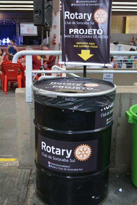 Rotary transforma lata e lacre em cadeira de rodas
