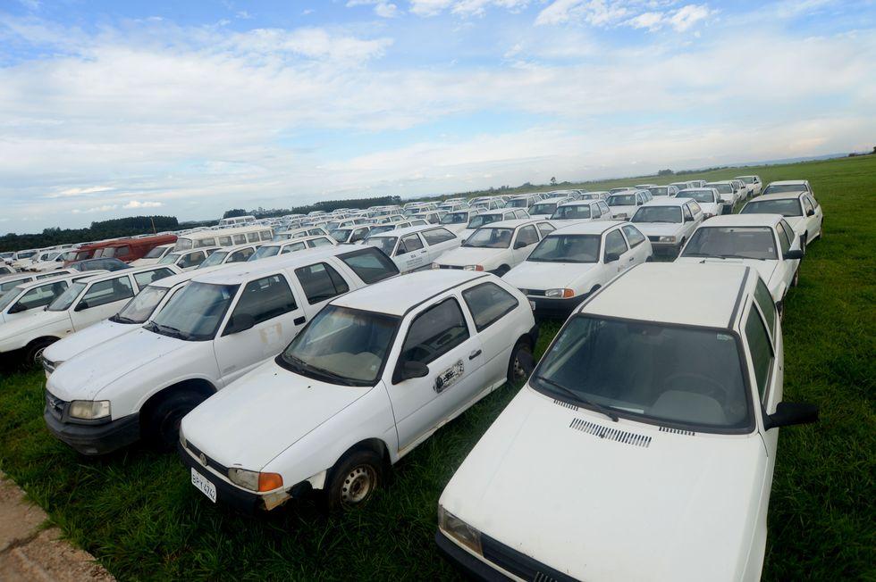 Fazenda Ipanema vira depósito de veículos