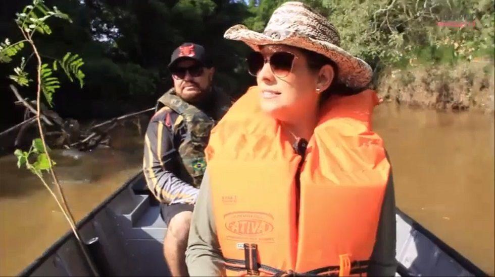 Simone Marquetto participa de expedição no rio Itapetininga