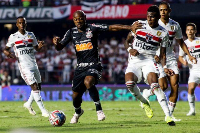 Coritnthians e São Paulo fazem clássico decisivo
