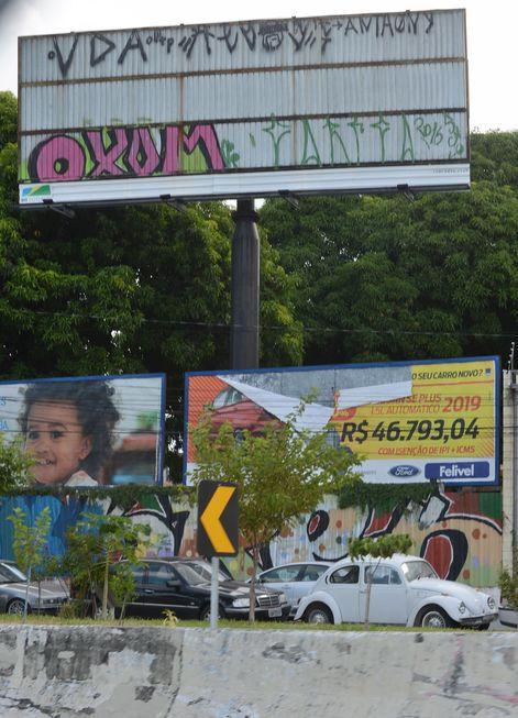 Lei padroniza publicidade e paisagem urbana