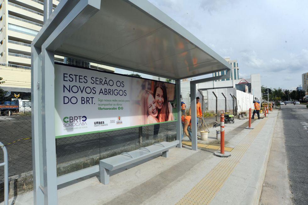 Tapumes são retirados de obras para BRT