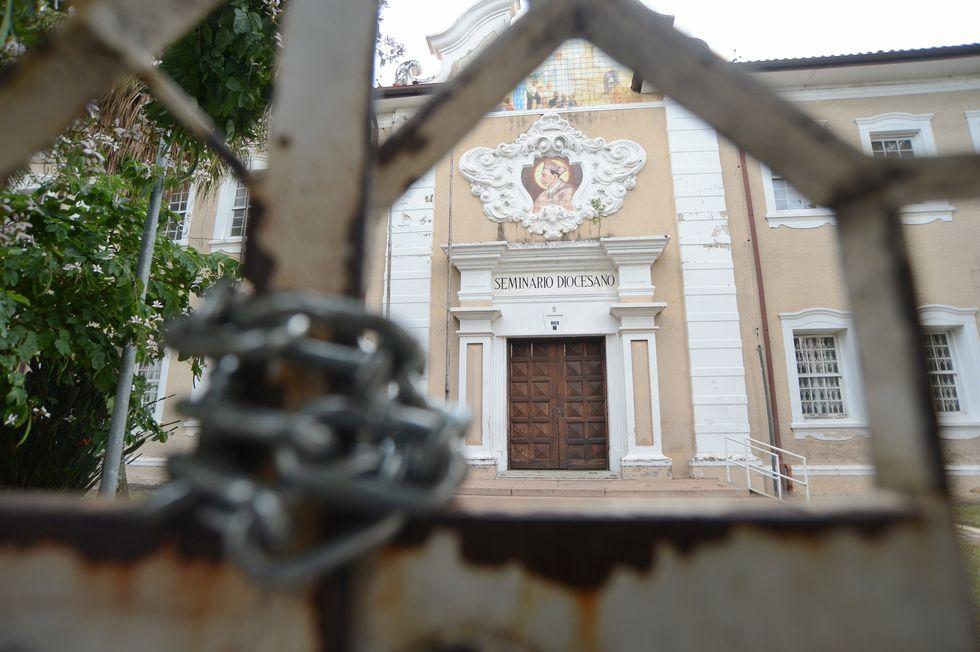 Entrada principal das instalações na av. Eugênio Salerno. Crédito da foto: Erick Pinheiro