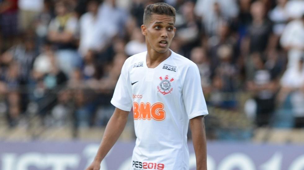 Venda de Pedrinho 'azeda' relação entre Corinthians e Benfica