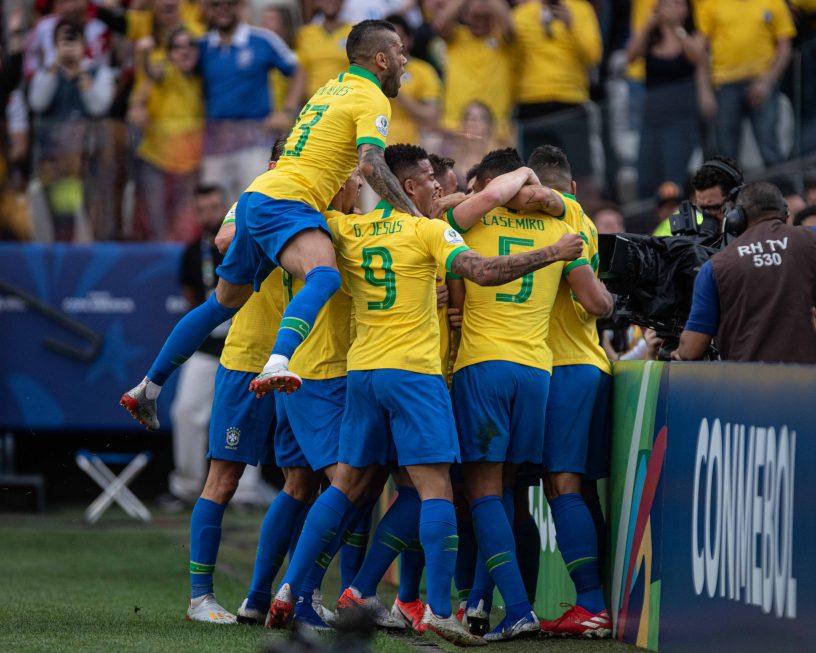 Brasil vence o Peru pela Copa América