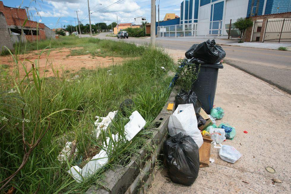 Projeto quer isentar taxa de lixo