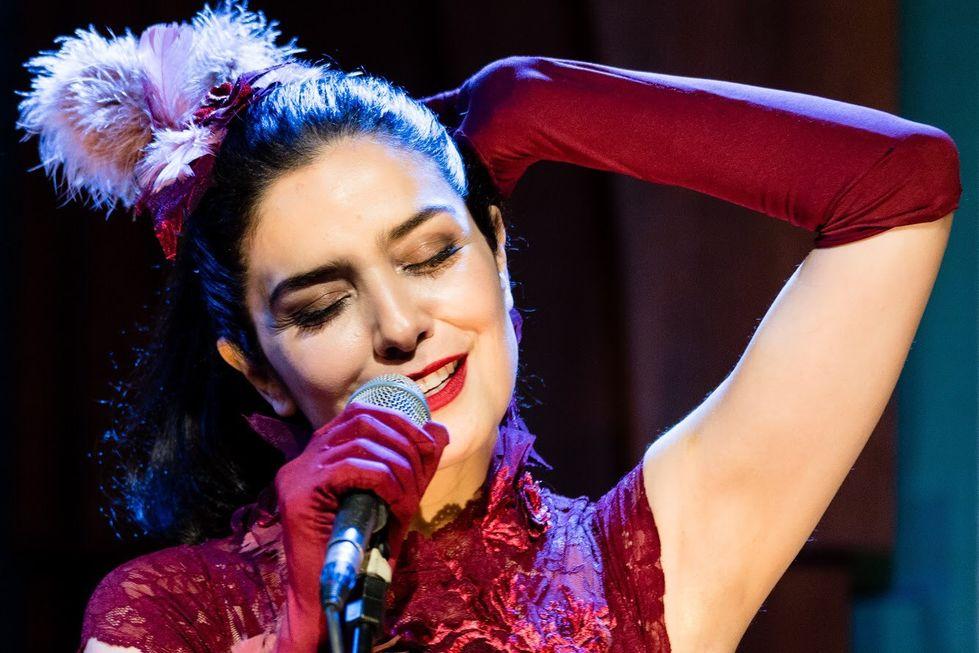 Musical com a atriz Letícia Sabatella é atração no Sesc