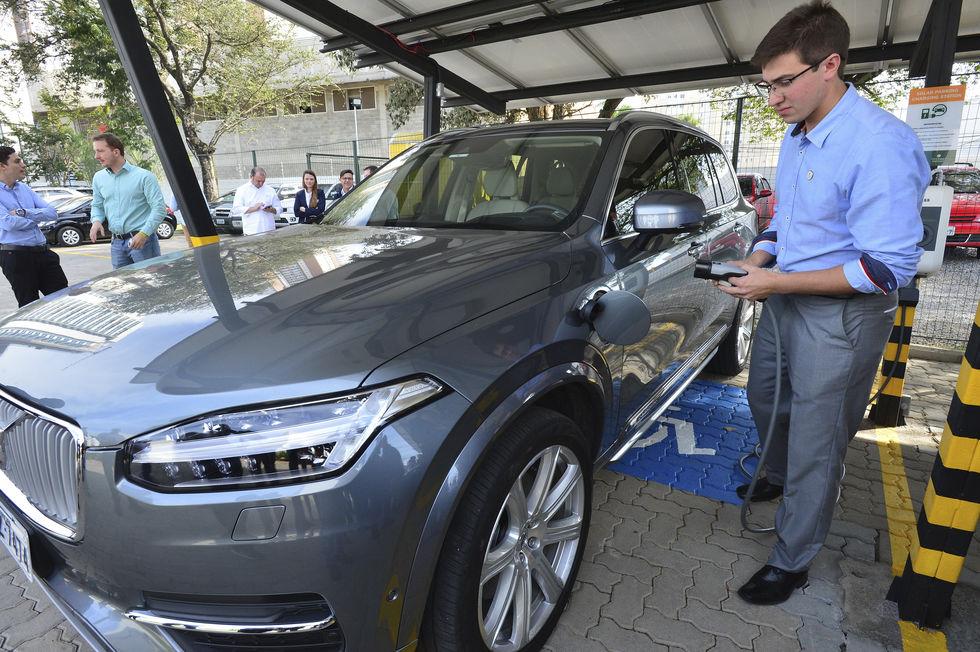 Sorocaba recebe 3º ponto de recarga para carros elétricos