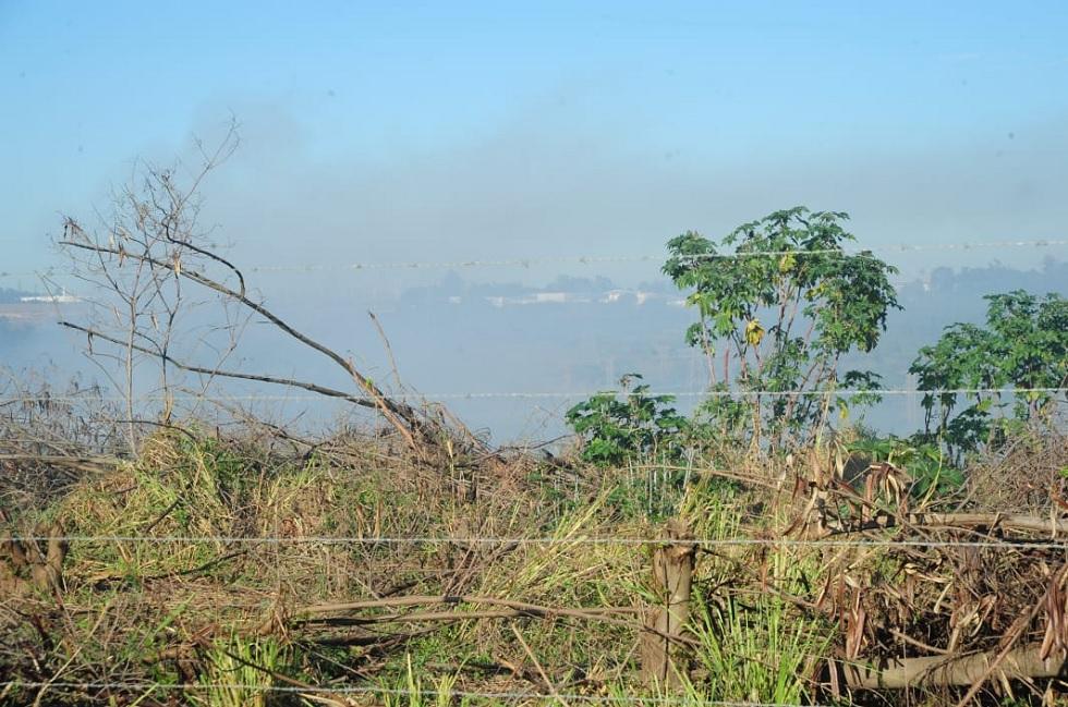 Incêndio atinge área com pás eólicas em Sorocaba