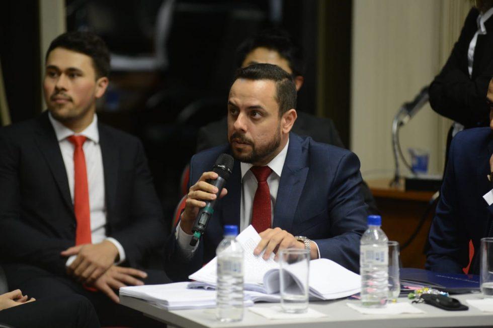 OAB quer advogados com escritórios abertos