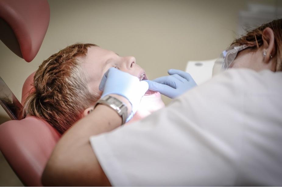 Dentistas devem ser imunizados contra o sarampo, alerta Conselho de Odontologia