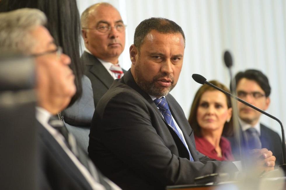 sessão extraordinária vota a cassação ou não do prefeito José Crespo