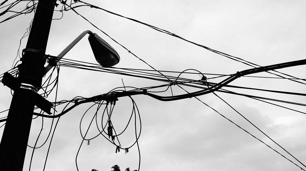 'Gatos' de energia elétrica são encontrados em supermercados de Sorocaba