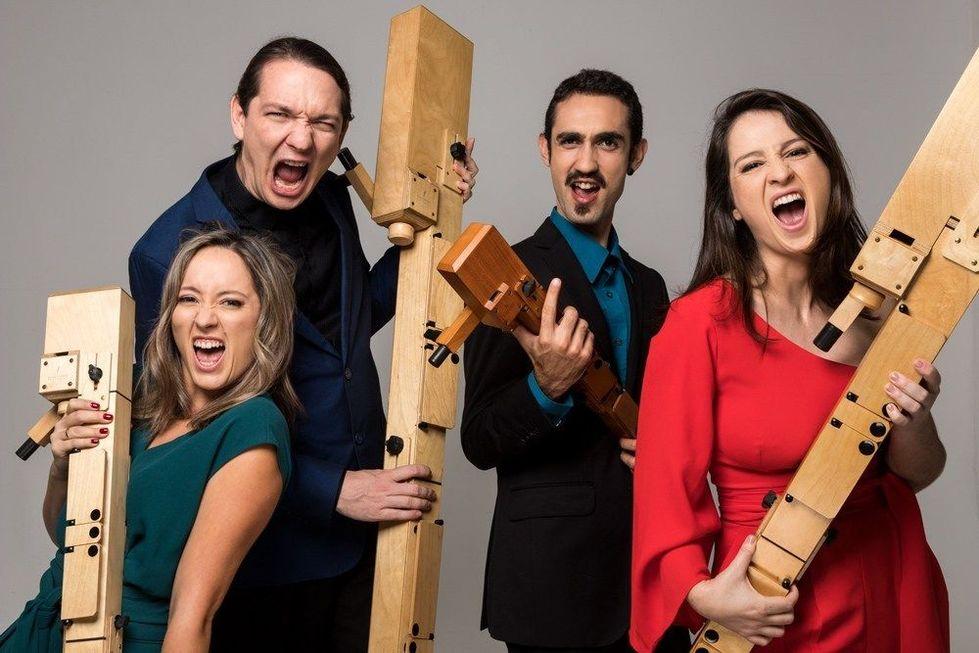 Flautas são atração no palco do Municipal