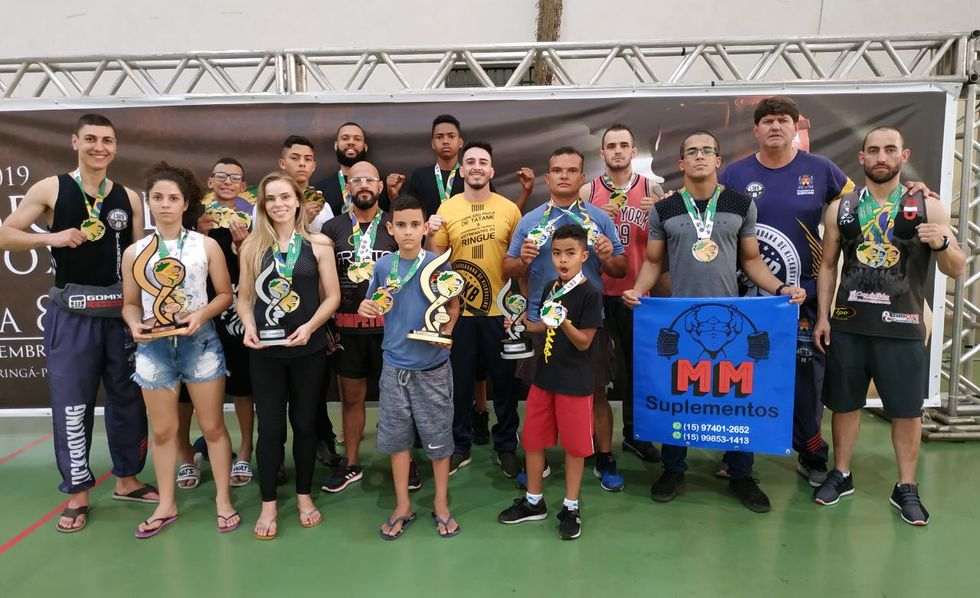 LSK é campeã no low kicks