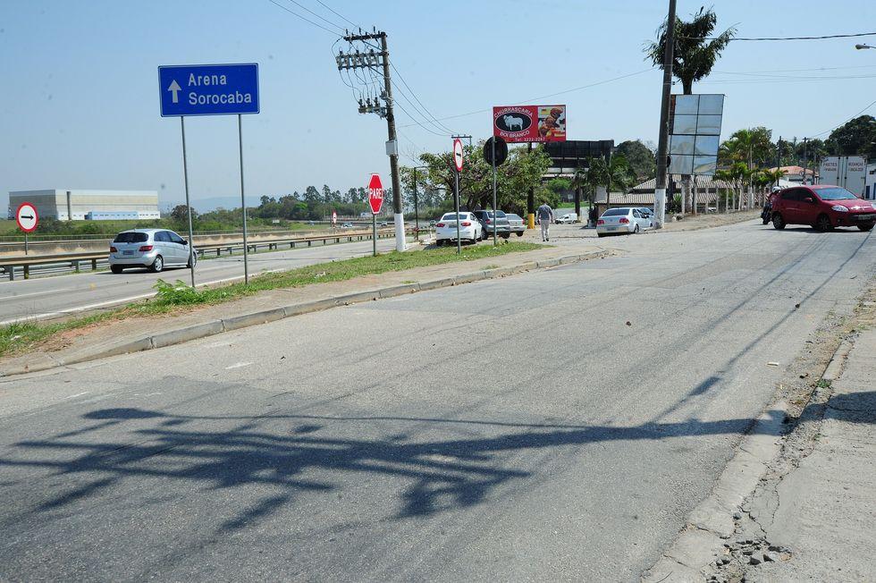 Usuários reclamam de acessos na rodovia