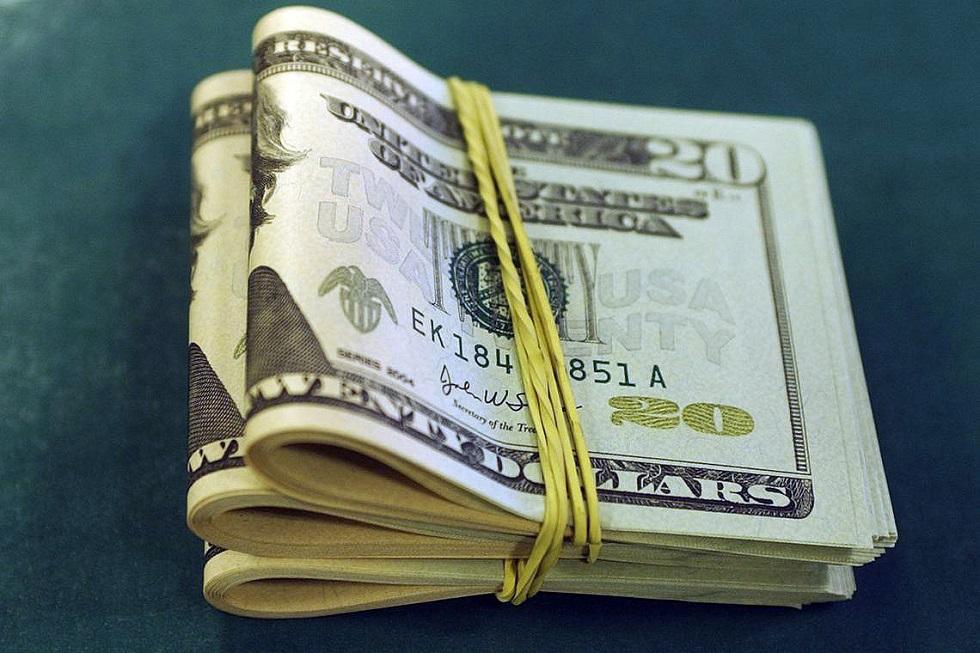 Dólar dispara com corte de juros pelo Banco Central e vai a R$ 4,16