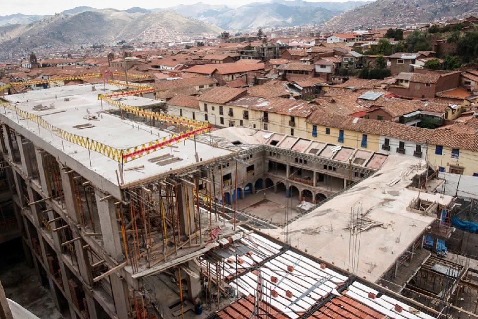 """A obra """"distorce a harmonia e configuração tipológica do Centro Histórico de Cusco"""""""