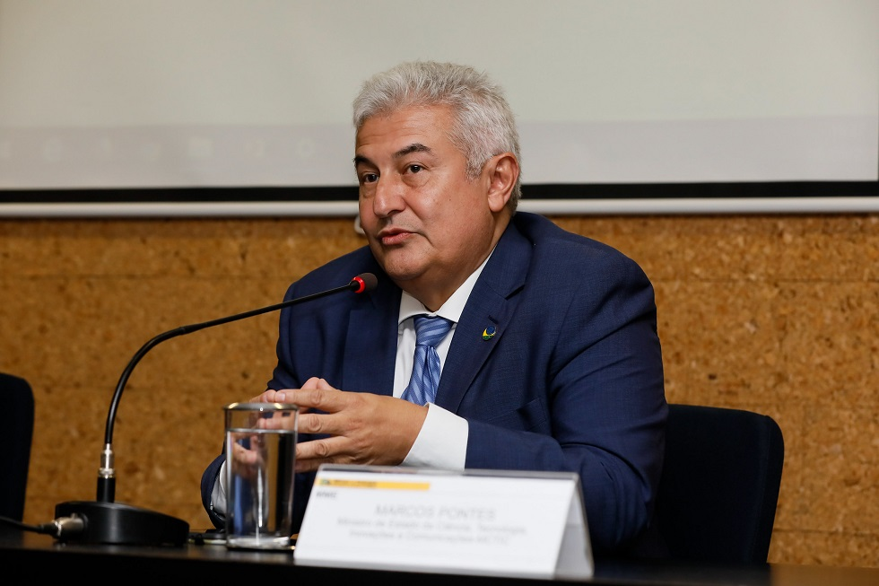 Ministro quer recursos para novo módulo na Antártica