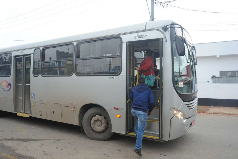 Ônibus em Alumínio terão gratuidade durante transição de empresas