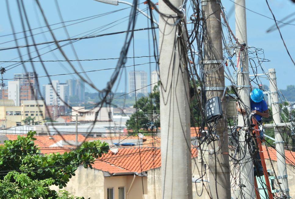 Lanchonetes são autuadas por furto de energia