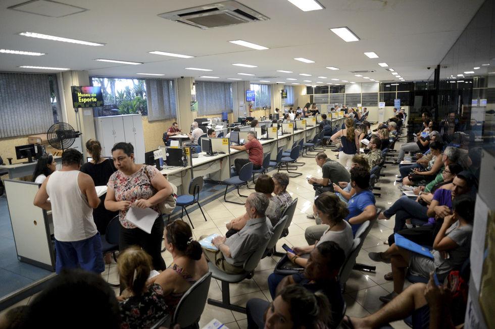 Prazo de pagamento do IPTU Complementar vence na segunda, munícipes reclamam