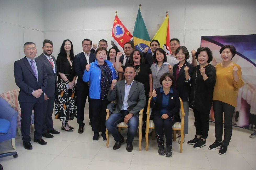 Vereadores de Anyang visitam Câmara de Sorocaba