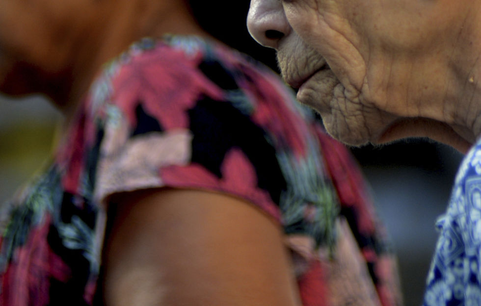 Sobe o número de denúncias de violência contra idosos