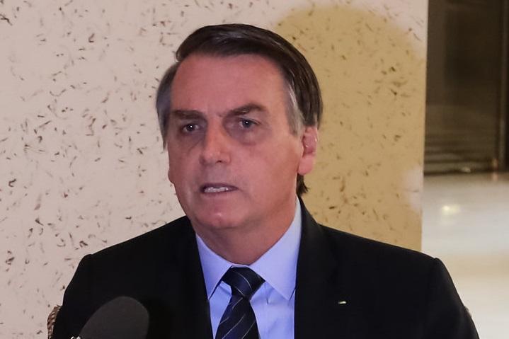 Bolsonaro diz à Band que falou para Eduardo tirar 'palavra AI-5' do vocabulário