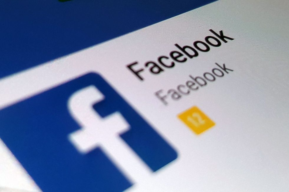 Facebook derruba rede de fake news