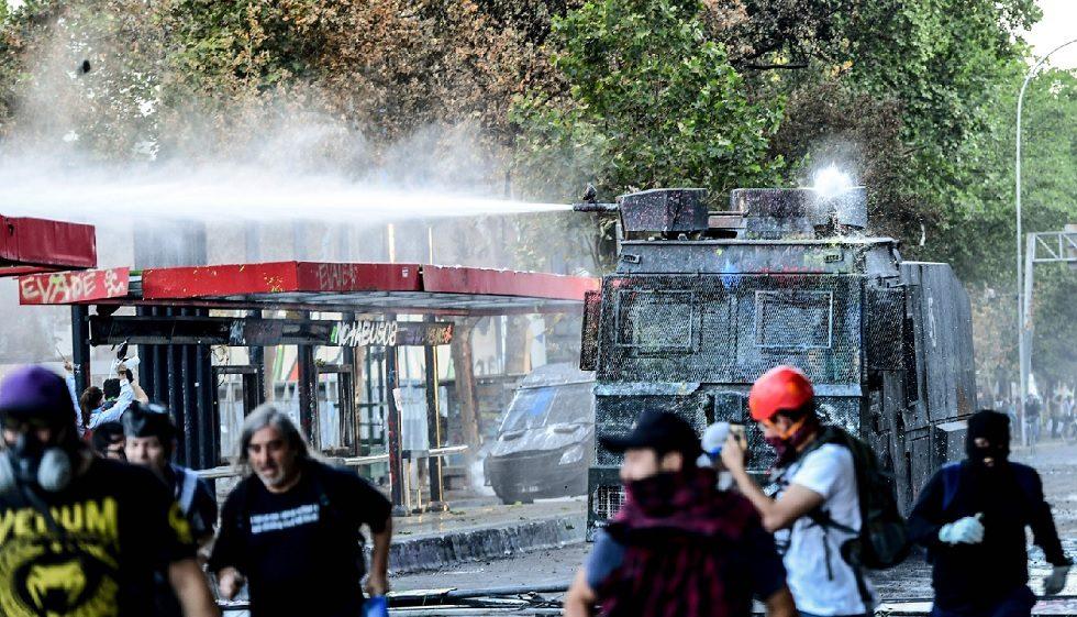 Milhares continuam a se manifestar por melhores serviços sociais no Chile
