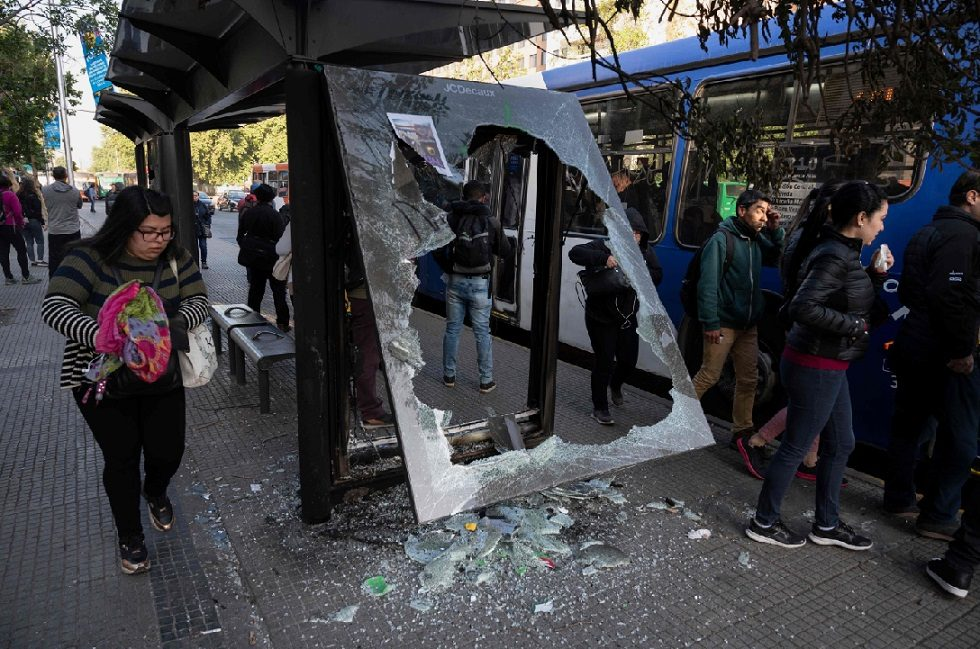 Voos entre Brasil e Santiago são cancelados por causa dos protestos no Chile