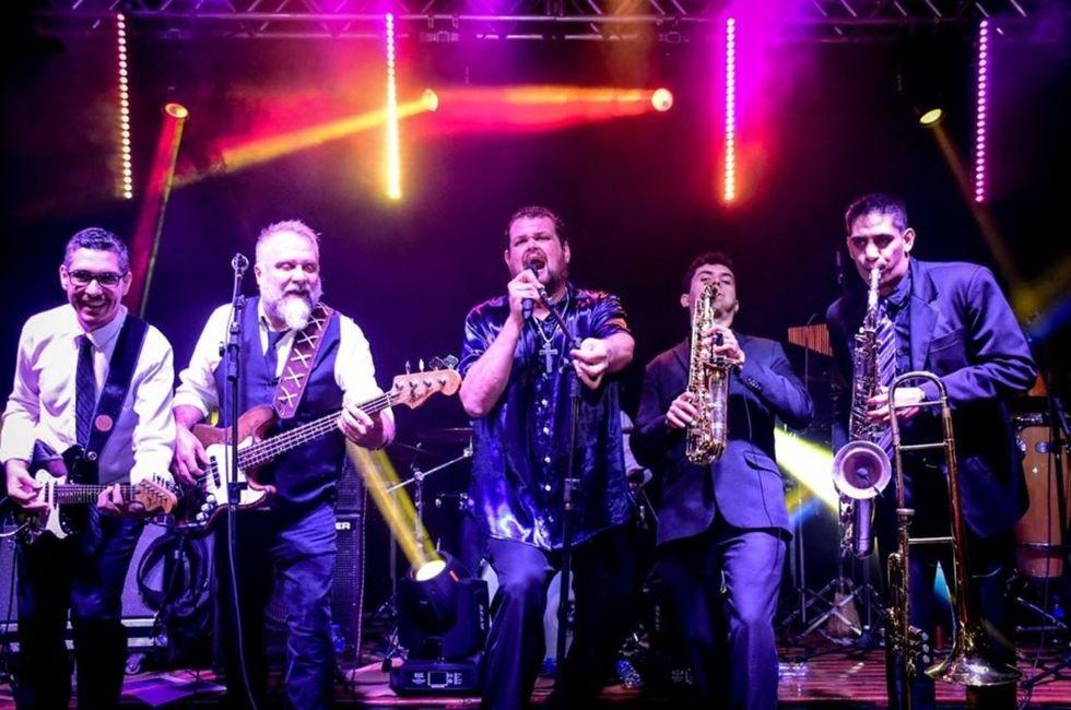 Banda Monallizza se apresenta no Sesi