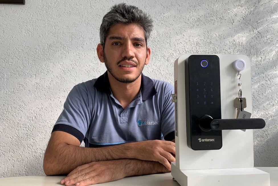 Empresa voltada a hotelaria lança fechadura biométrica residencial